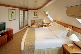Морской круизный лайнер Seven Seas Navigator (Regent Seven Seas Cruises)